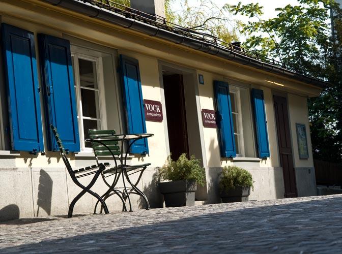 Stühle an der Schipfe, Zürich