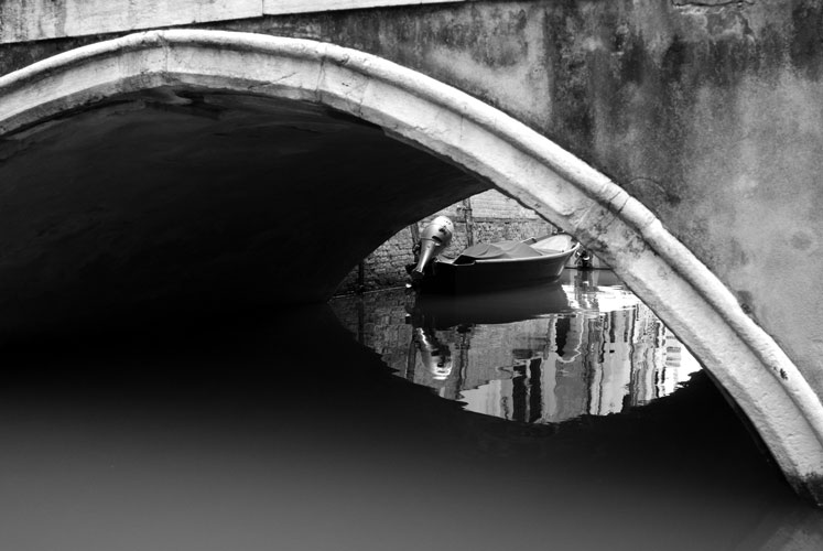 Unter der Brücke, Venedig