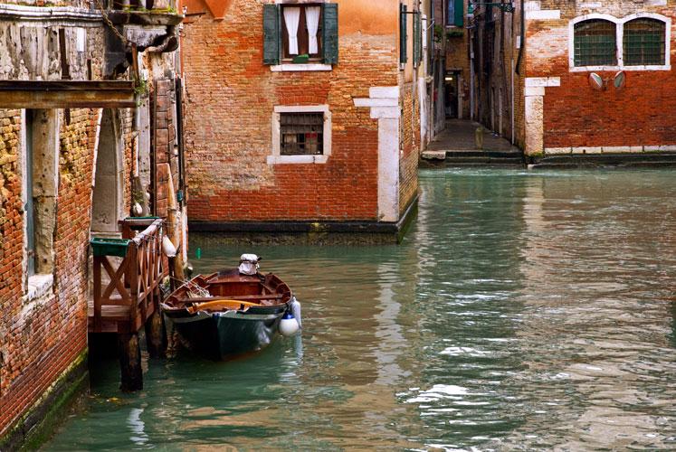 Parkiertes Boot-Taxi, Venedig